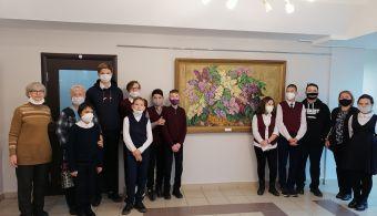 Экскурсии по выставке Акцыновых продолжаются